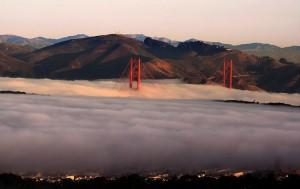 Kuststrook ligt vaak in mist gehuld.